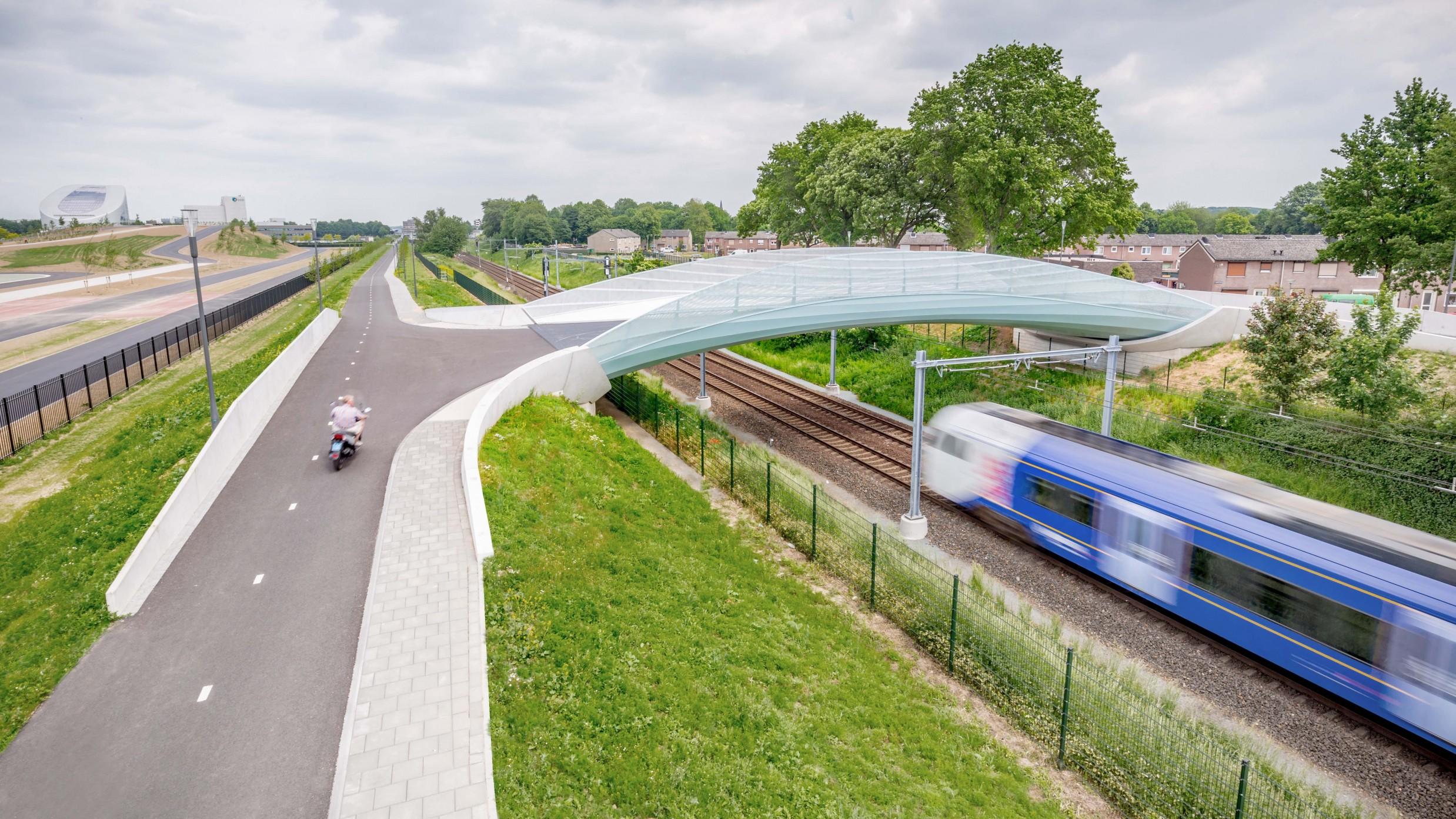 1._fiets_-en_voetgangersbrug_sittard-geleen_dura_vermeer_jlousberg